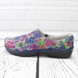 Klogs Bright Flowers Painted Looks Clogs Size 9.5